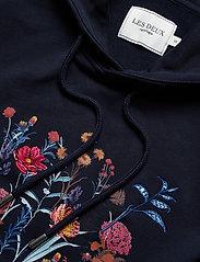 Les Deux - Fleur D'été Hoodie - hoodies - dark navy/dark papaya flower pattern - 2