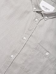 Les Deux - Leonardo Tencel Twill SS Shirt - koszule w kratkę - mirage gray - 3