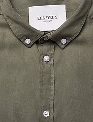 Les Deux - Harvey Tencel Dobby SS Shirt - chemises de lin - lichen green - 2