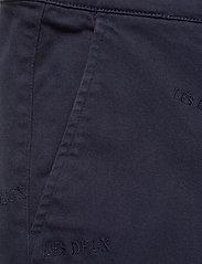 Les Deux - Pascal Embroidery Chino Shorts - chinos shorts - dark navy - 2