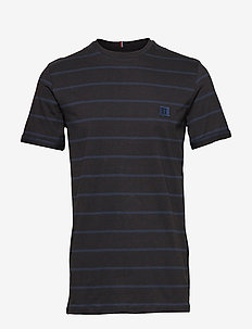 Betroist T-Shirt - BLACK/DK. NAVY