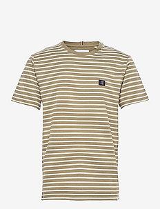Sailor Stripe Patch T-Shirt - kortærmede t-shirts - lichen green