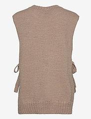 Levete Room - LR-GYMLA - knitted vests - l9825 - light beige melange - 1