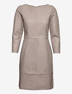 LR-GLOBA - robes de cocktail - l900 - paloma