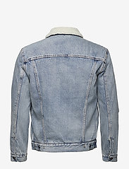 LEVI´S Men - TYPE 3 SHERPA TRUCKER STONEBRI - denim jackets - med indigo - worn in - 2