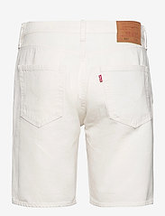 LEVI´S Men - 501 HEMMED SHORT MARSHMALLOW S - denim shorts - neutrals - 1