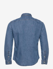 LEVI´S Men - SUNSET 1 PKT SLIM COTTON TENCE - denim shirts - med indigo - flat finish - 1