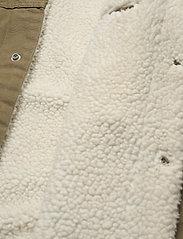LEVI´S Men - TYPE 3 SHERPA TRUCKER COUGAR C - jeansjackor - neutrals - 4