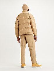 LEVI´S Men - FILLMORE SHORT JACKET HARVEST - padded jackets - neutrals - 4