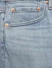 LEVI´S Men - 502 TAPER SHORTS 10 TOAST SHOR - denim shorts - light indigo - worn in - 2
