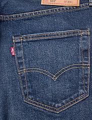 LEVI´S Men - 501 HEMMED SHORT FIRE GOIN SHO - jeansowe szorty - med indigo - flat finish - 4