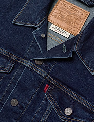 LEVI´S Men - THE TRUCKER JACKET MOON LIT TR - farkkutakit - dark indigo - flat finish - 5