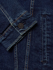 LEVI´S Men - THE TRUCKER JACKET MOON LIT TR - farkkutakit - dark indigo - flat finish - 6