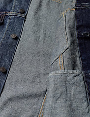 LEVI´S Men - VINTAGE FIT TRUCKER V. ROAMER - denim jackets - dark indigo - worn in - 4
