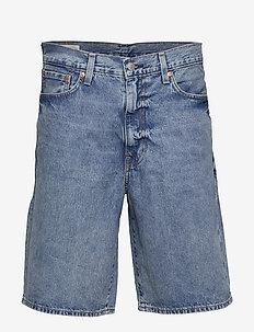 HALF PANTS SCONE SHORT - denim shorts - med indigo - worn in