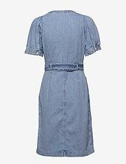LEVI´S Women - BRYN DRESS LOOSEY GOOSEY (2) - jeansowe sukienki - light indigo - worn in - 1