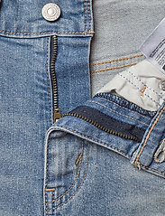LEVI´S Women - MOM A LINE SHORT 2 BANDIT BLUE - denimshorts - med indigo - worn in - 3