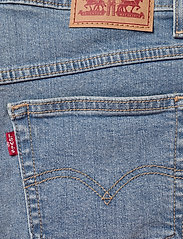 LEVI´S Women - MOM A LINE SHORT 2 BANDIT BLUE - denimshorts - med indigo - worn in - 4