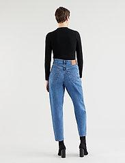 LEVI´S Women - HIGH LOOSE TAPER HOLD MY PURSE - boyfriend jeans - med indigo - flat finish - 3