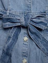 LEVI´S Women - BRYN DRESS LOOSEY GOOSEY (2) - jeansowe sukienki - light indigo - worn in - 3