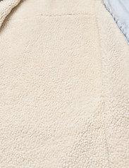 LEVI´S Women - REVERSIBLE SHERPA COAT REVERSE - lette frakker - med indigo - worn in - 8