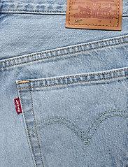 LEVI´S Women - 501 CROP LUXOR RA - straight regular - light indigo - worn in - 4