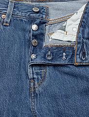 LEVI´S Women - 501 CROP SANSOME BREEZE STONE - mom jeans - med indigo - worn in - 3