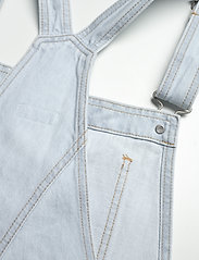 LEVI´S Women - VINTAGE SHORTALL CAUGHT NAPPIN - buksedragter - light indigo - worn in - 3