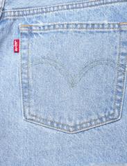 LEVI´S Women - 501 ORIGINAL SHORT LUXOR HEAT - jeansshorts - light indigo - worn in - 4