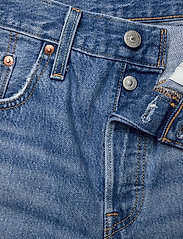 LEVI´S Women - 501 MID THIGH SHORT LUXOR STRE - denimshorts - light indigo - worn in - 3