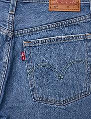 LEVI´S Women - 501 MID THIGH SHORT LUXOR STRE - denimshorts - light indigo - worn in - 4