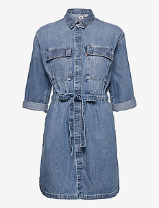 AINSLEY UTILITY DENIM D FREAKY - denim dresses - med indigo - flat finish