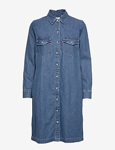 SELMA DRESS GOING STEADY (3) - shirt dresses - med indigo - worn in