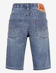 Levi's - LVB LW PERFORMANCE SHORT - shorts - spit fire - 1
