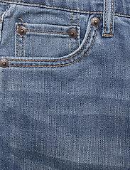 Levi's - LVB LW PERFORMANCE SHORT - shorts - spit fire - 2