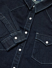 Levi's Made & Crafted - LMC S SHRNKN DNM SHIRT LMC SHR - chemises en jeans - dark indigo - flat finish - 3