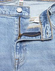 Levi's Plus Size - PL DECONSTRUCTED SKIRT LUXOR H - denim skirts - light indigo - worn in - 3