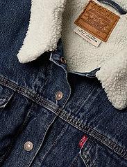 Levi's Plus Size - PL EX BF SHERPA TRUCKER ROUGH - spijkerjassen - med indigo - flat finish - 2