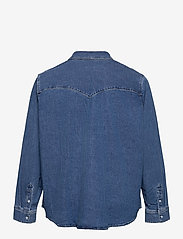 Levi's Plus Size - PL ESSENTIAL WESTERN GOING STE - denim shirts - med indigo - flat finish - 1