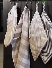 Lexington Home - Icons Checked Cotton Terry Kitchen Towel - keittiöpyyhkeet - beige/white - 2