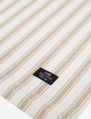 Lexington Home - Icons Cotton Herringbone Striped Placemat - pöytätabletit & lasinaluset - beige/white - 1