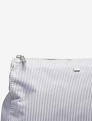 Lexington Home - Icons Big Toilet Bag - meikkilaukut - gray/white stripe - 3