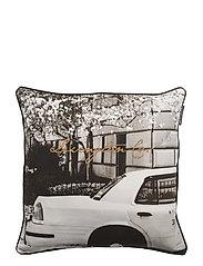 Car Sham - WHITE/BLACK