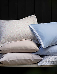 Lexington Home - LtGray/Blue Flower Print Cotton Sateen Pillowcase - coussins - lt. gray/blue - 2