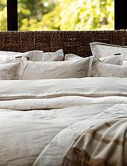 Lexington Home - Beige/White Contrast Cotton Chambray Duvet Cover - housses de couette - beige/white - 3