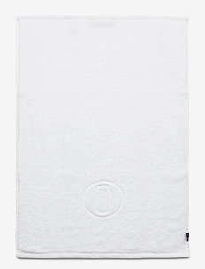 Monogram Towel Letter O - towels - white