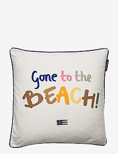 Gone To The Beach Cotton Pillow Cover - kussenovertrekken - white