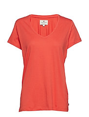 Becka V-neck Tee - PAPRIKA RED