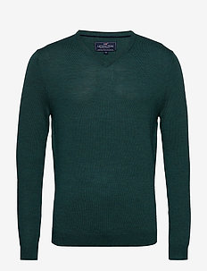 Ian Merino V-Neck Sweater - MOUNTAIN GREEN