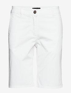 Mary Shorts - bermuda's - white